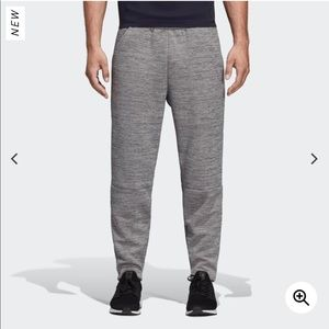 Adidas ZNE tapered Pant NWT